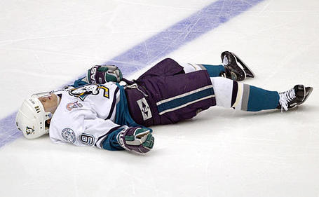 paul-kariya-scott-stevens-hit-playoffs-ducks-goal